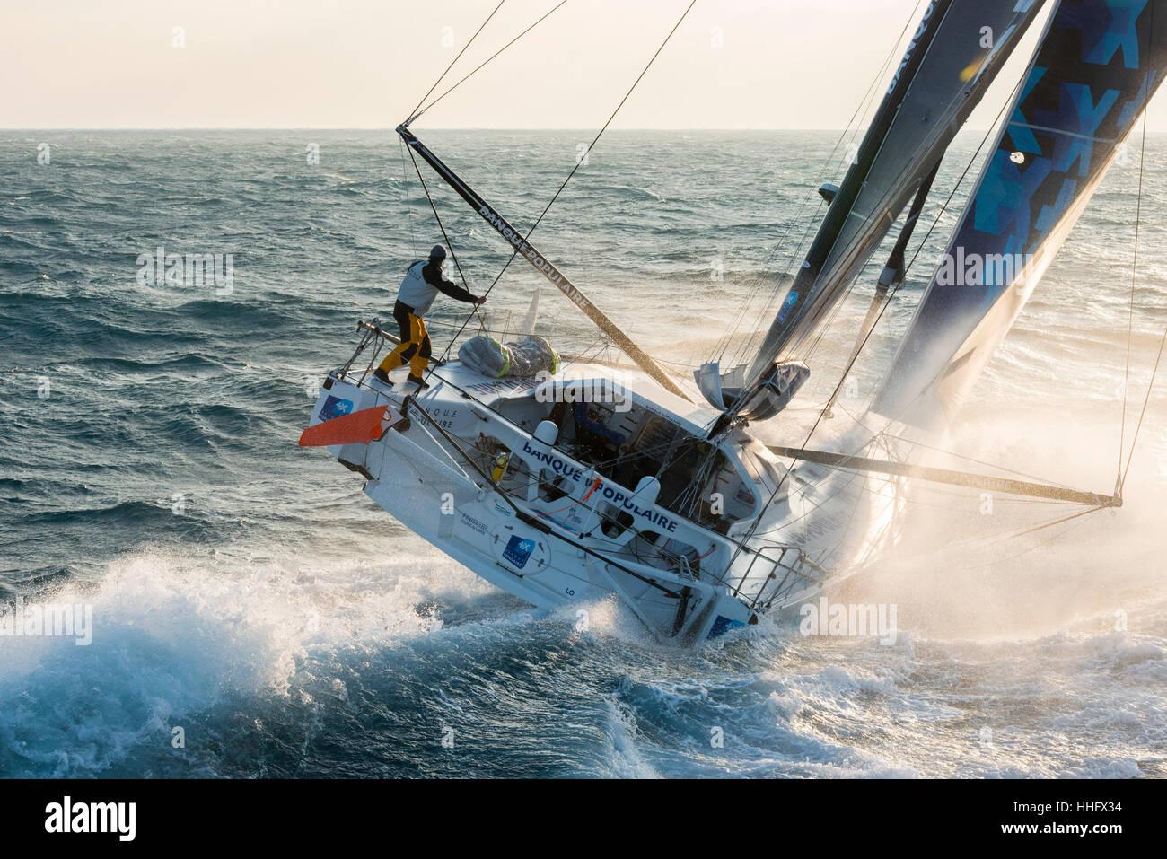 Yacht Race Vendée Globe 2017: armel le cléac'h a bordo della Banque populaire viii monohull vela (2017/01/19) Immagini Stock