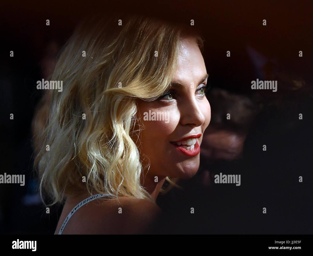 Berlino, Germania. 17 Luglio, 2017. L'attrice Charlize Theron presso la premiere mondiale della American spy Immagini Stock