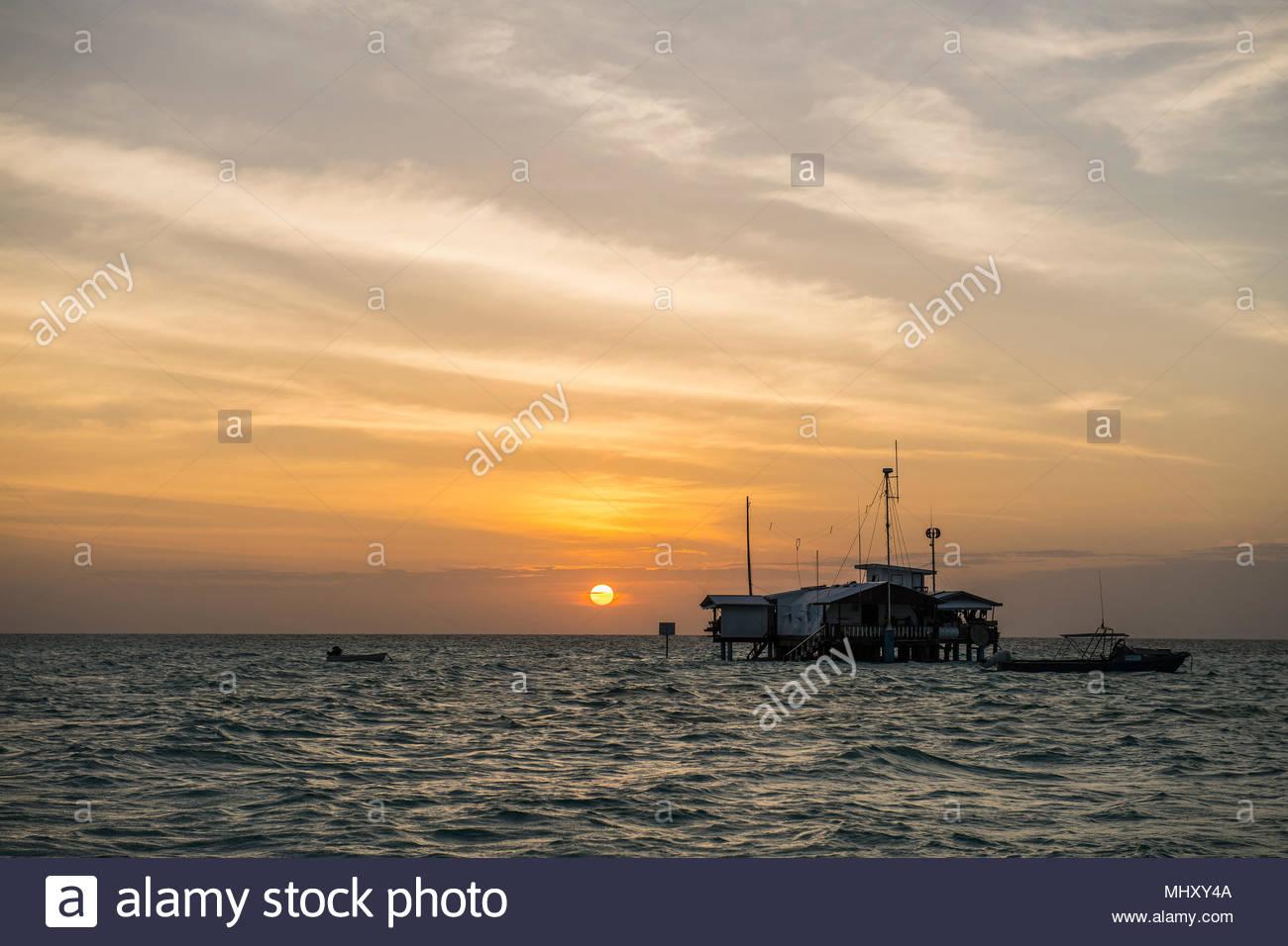 Stazione di Ranger presso il Parco Naturale di Tubbataha Reef, Cagayancillo, PALAWAN FILIPPINE Immagini Stock