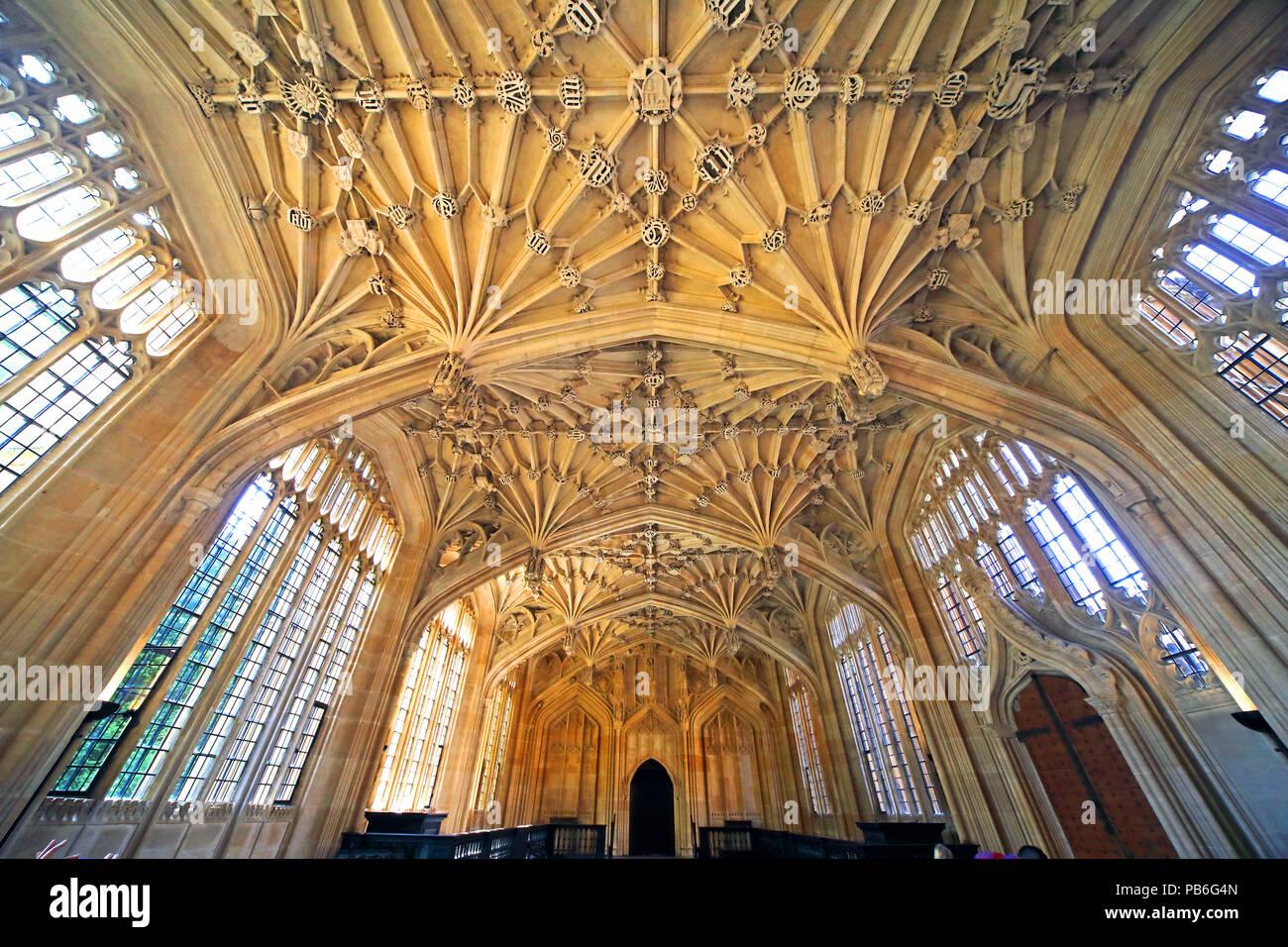 @HotpixUK,GoTonySmith,divinity,school,UK,stonework,building,interior,inside,libraries,learning,Perpendicular