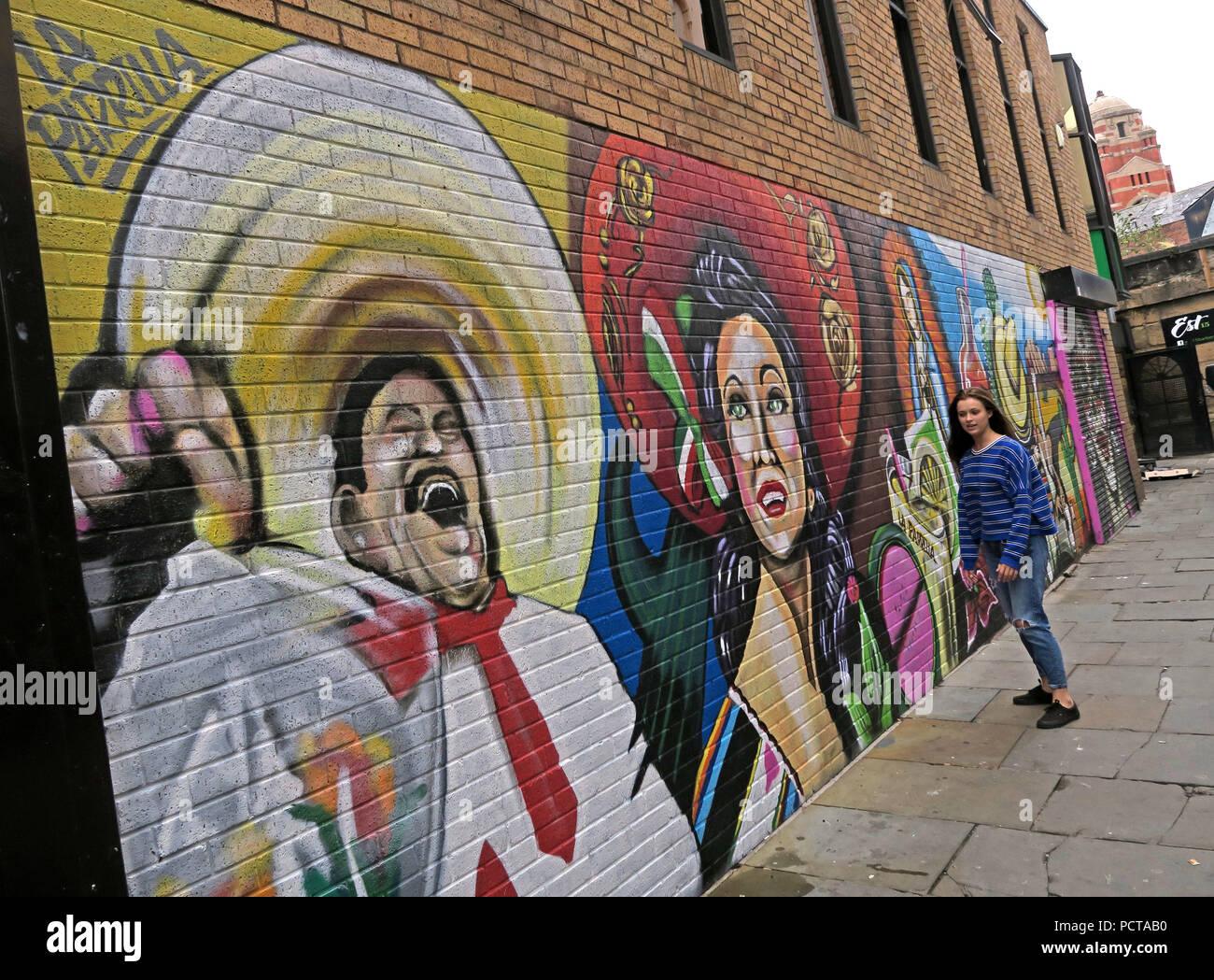 GoTonySmith,@HotpixUK,England,man,hat,hats,smile,smiling
