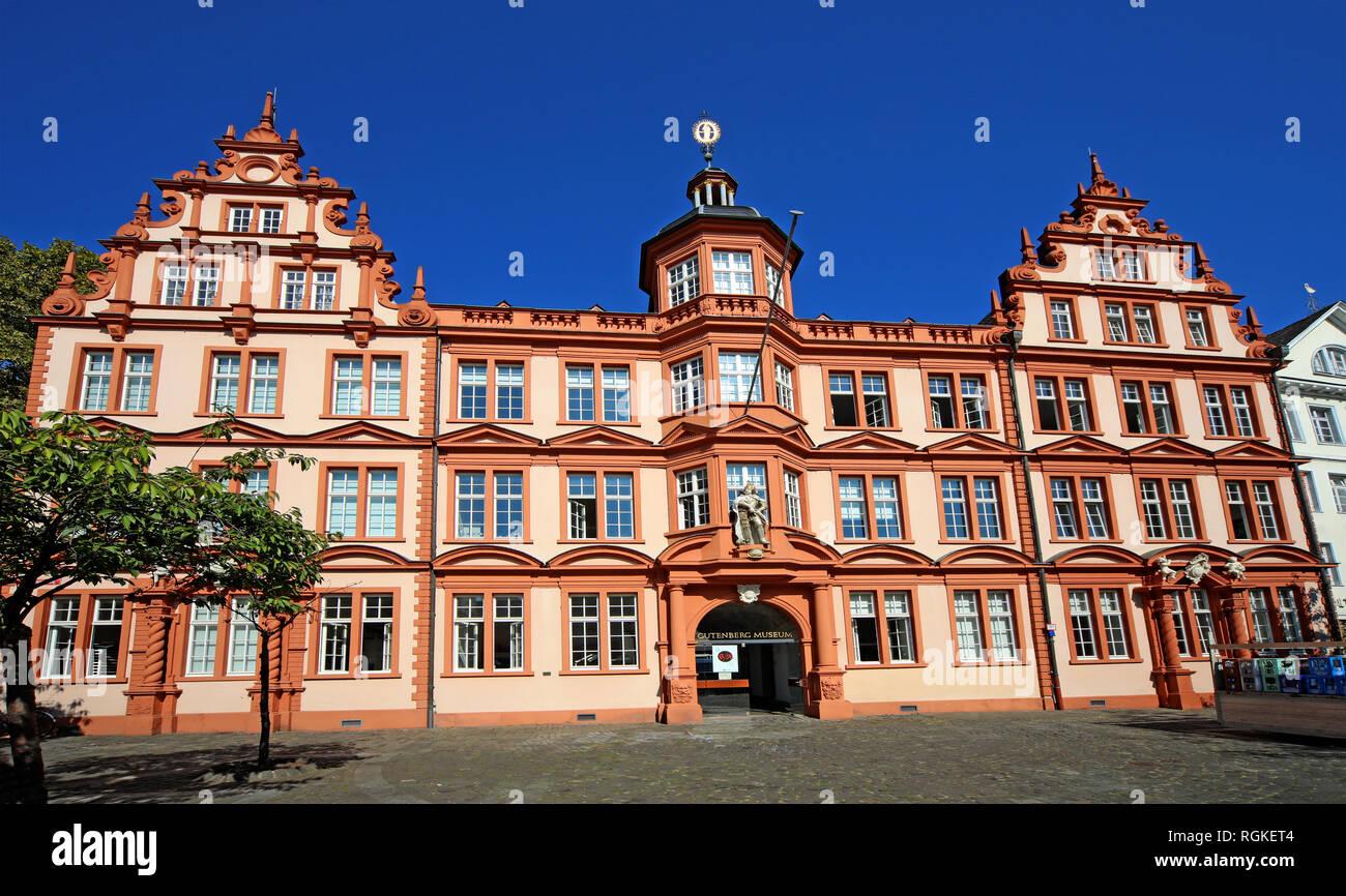 GoTonySmith,@HotpixUK,HotpixUK,German,Rhine,City