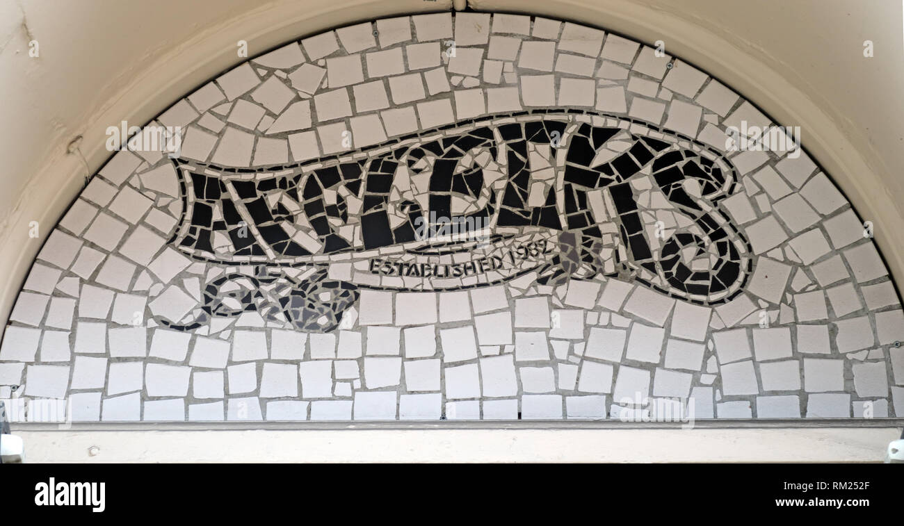 GoTonySmith,HotpixUK,@HotpixUK,England,UK,Manchester,Afflecks,Palace,market,shop,store,NQ4,entrance,door,outside,external,sign,established,1982,mosiac,art,Tib
