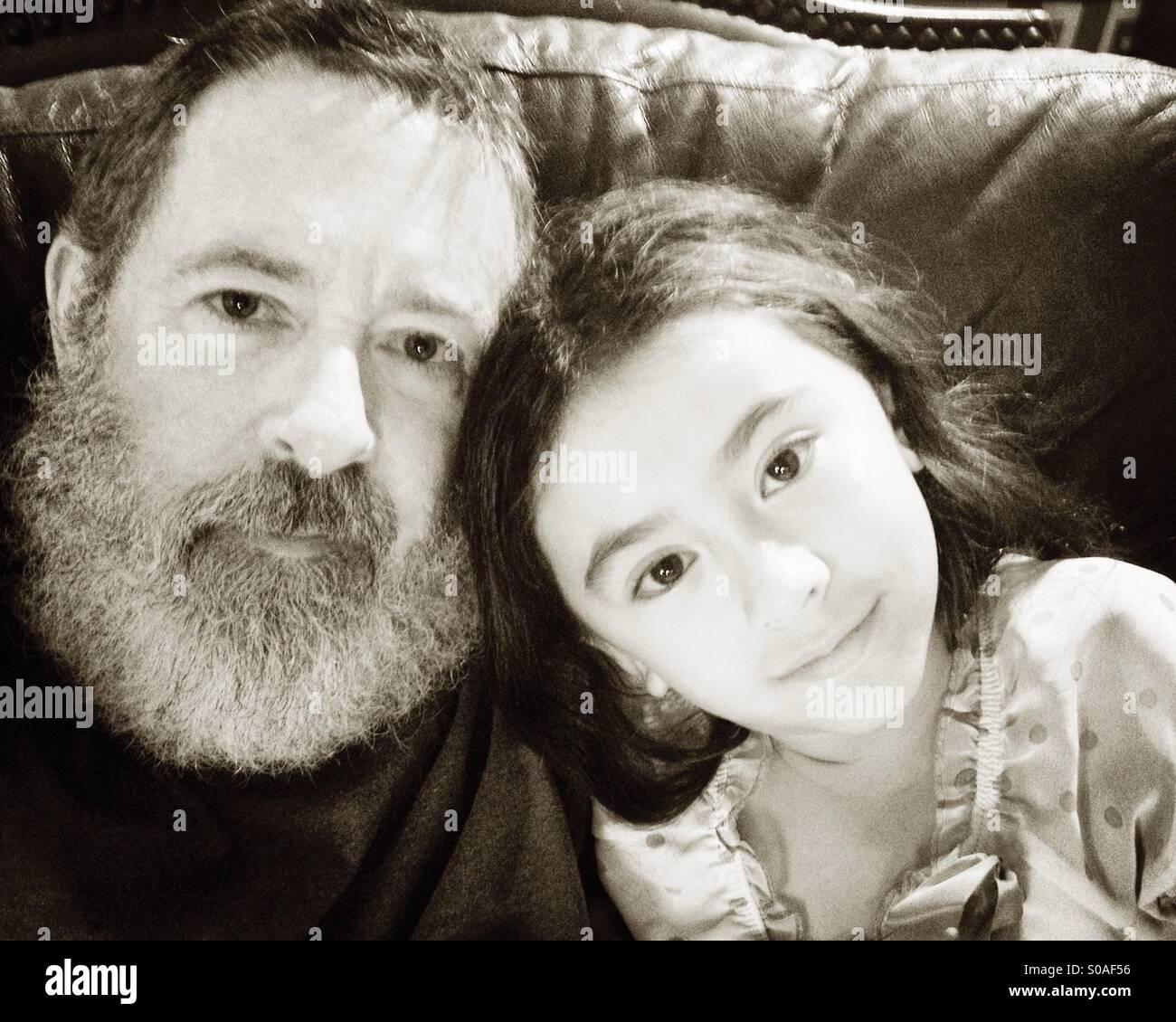 Padre e figlia selfie. Immagini Stock