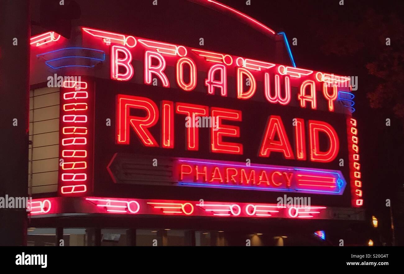 Insegna al neon di Broadway Immagini Stock