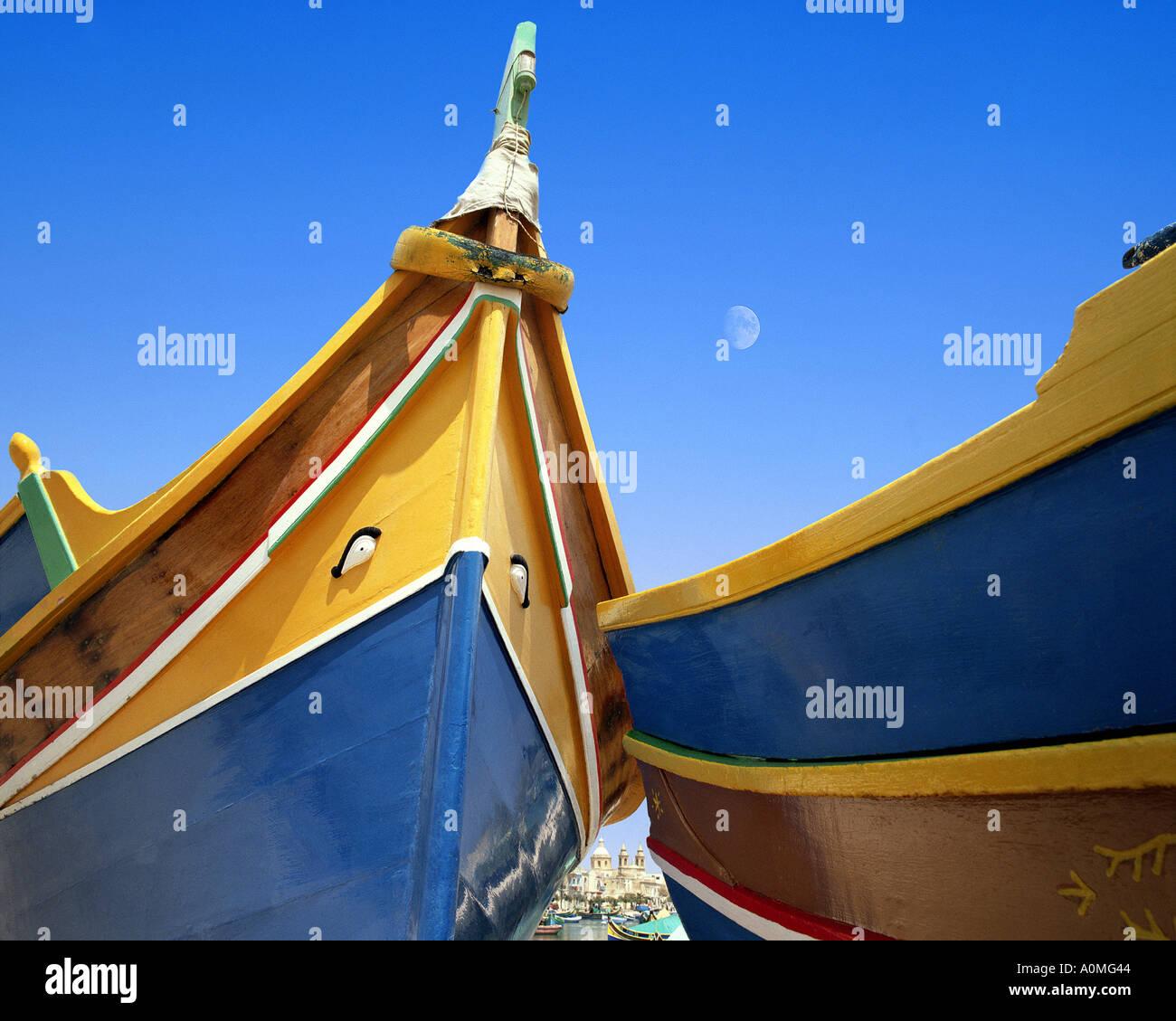 MT - Malta: Típica barcos no porto de Marsaxlokk Maltesa Imagens de Stock