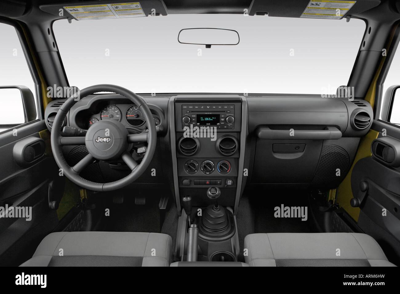 2008 Jeep Wrangler Unlimited X Em Verde   Painel De Bordo, Consola Central,  Vista De Mudança De Marchas