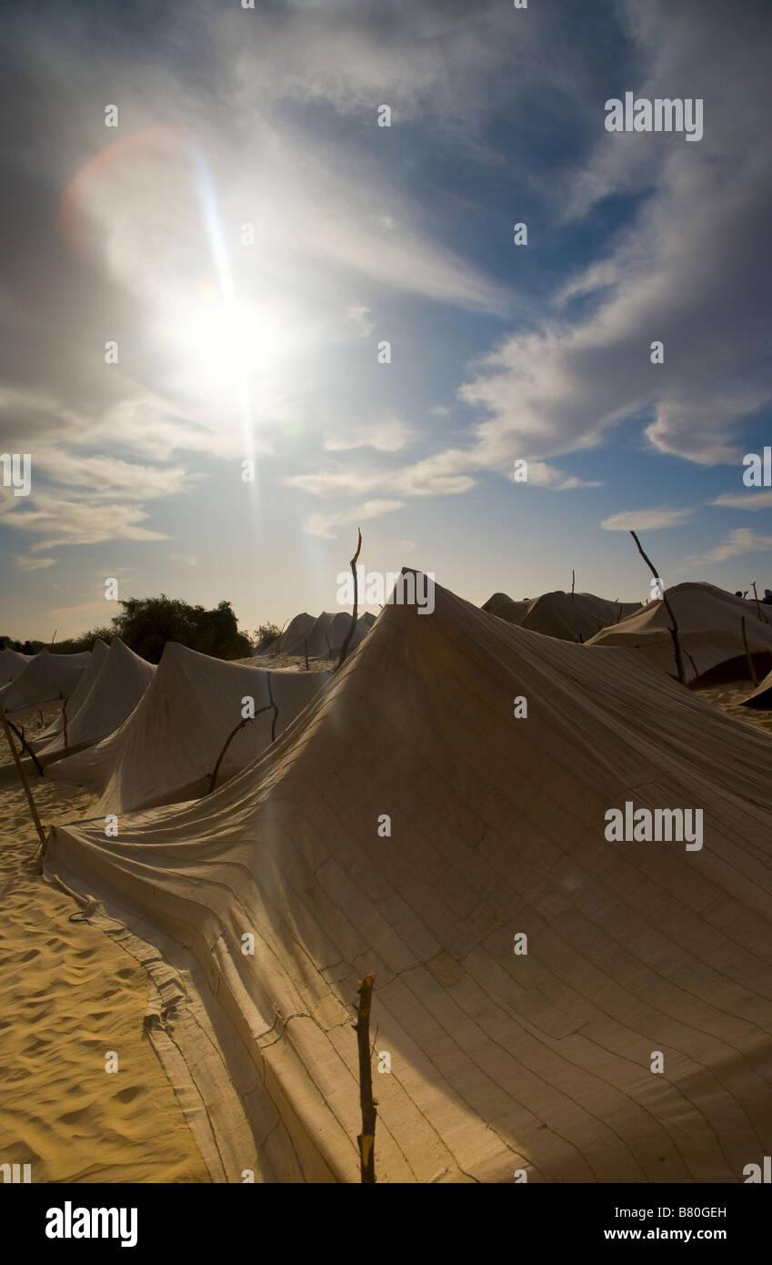 Tendas nómadas do deserto. Imagens de Stock