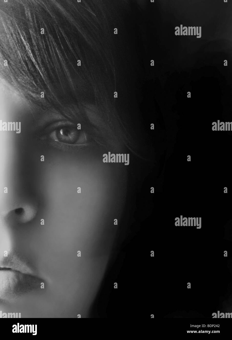 Close-up de um jovem jovens enfrentam olhando para câmera Imagens de Stock