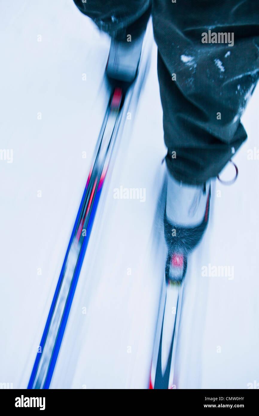 Seção de baixa uma pessoa esqui cross-country Imagens de Stock