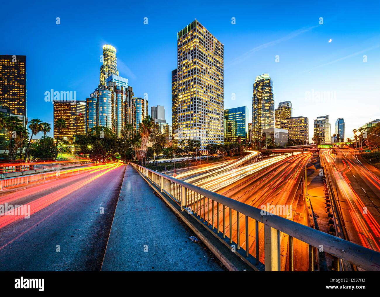 Los Angeles, Califórnia, EUA downtown skyline à noite. Imagens de Stock