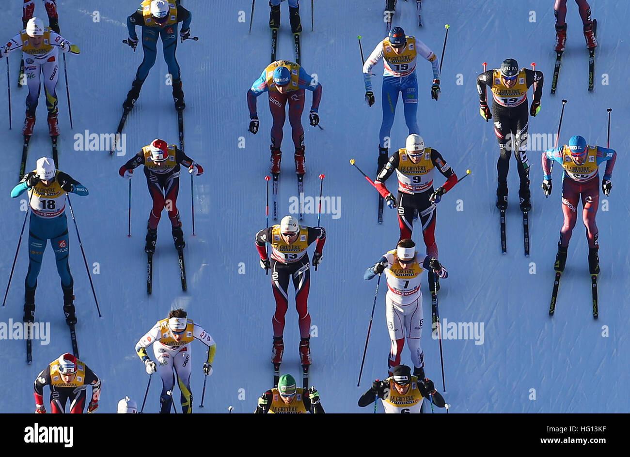 Oberstdorf, na Alemanha. 03.09.2002 Jan, 2017. Os esquiadores de corta-mato em acção durante o FSI Tour Imagens de Stock