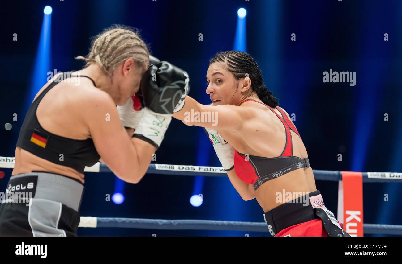 Dortmund, Alemanha. 1 de Abr, 2017. Christina Martelo (r) da Alemanha e Maria Lindberg da Suécia em acção Imagens de Stock