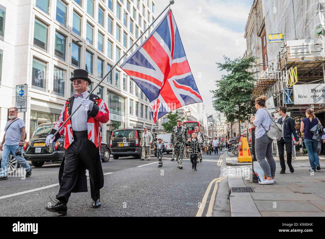 Londres, Reino Unido. 24 de setembro de 2017. marchando para st mary le Bow Church - o festival da colheita anual Imagens de Stock