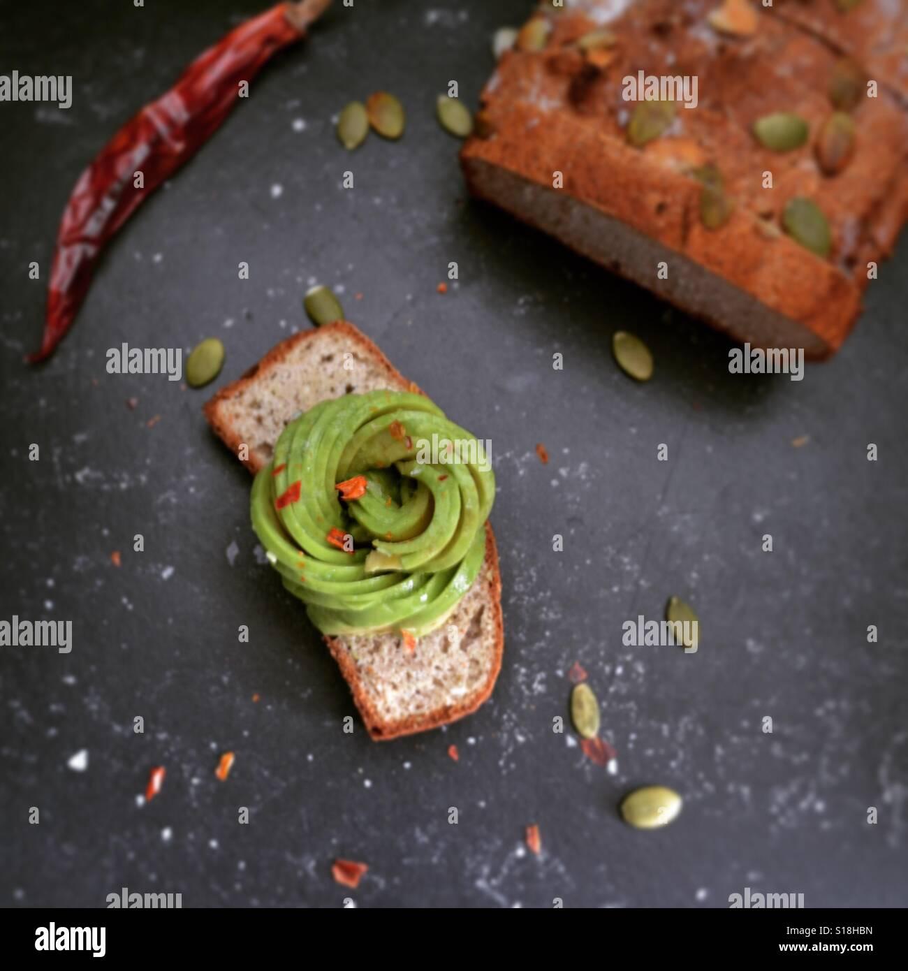 O abacate torradas Imagens de Stock