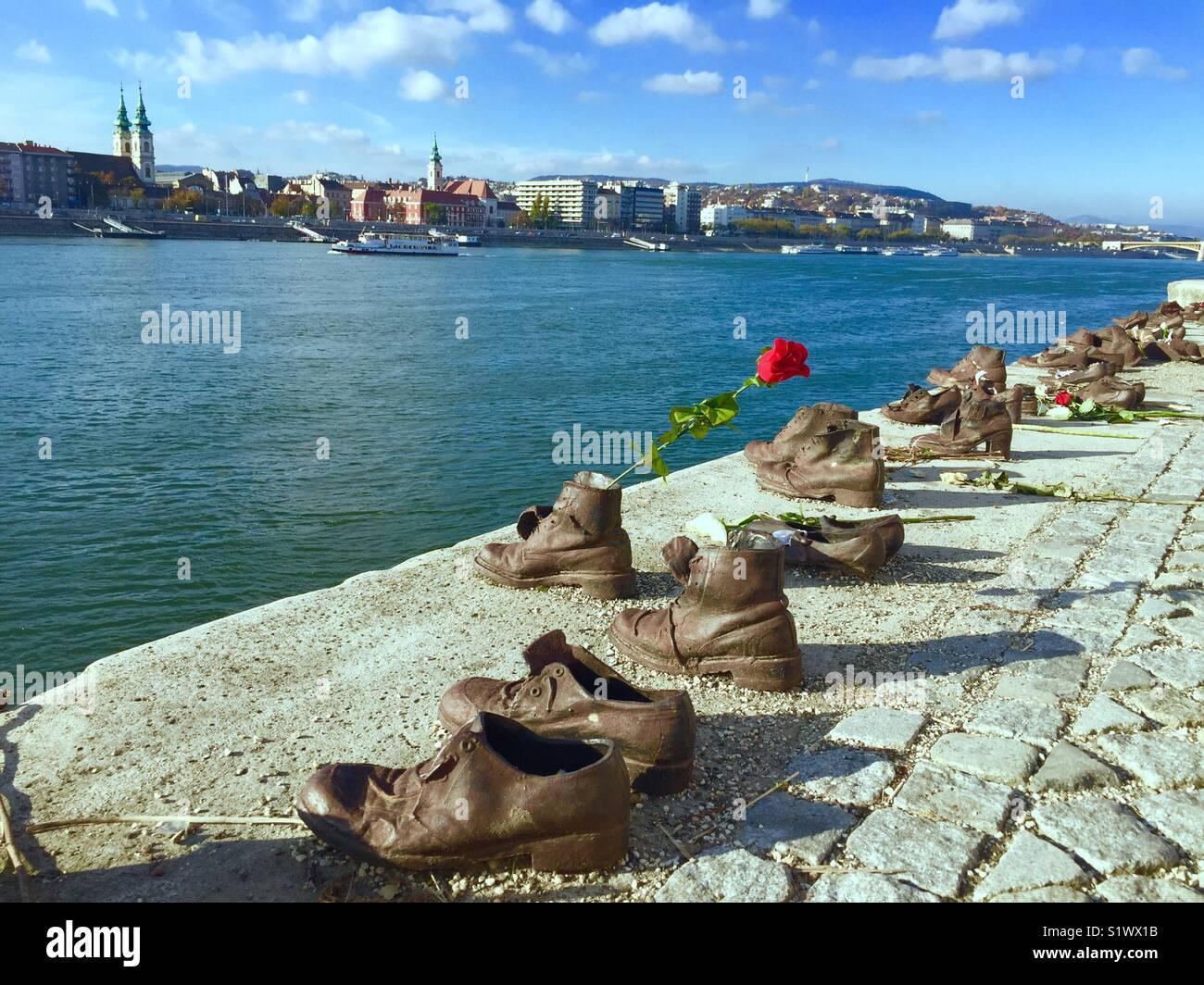 Sapatos no Danúbio (Budapeste, Hungria) Imagens de Stock