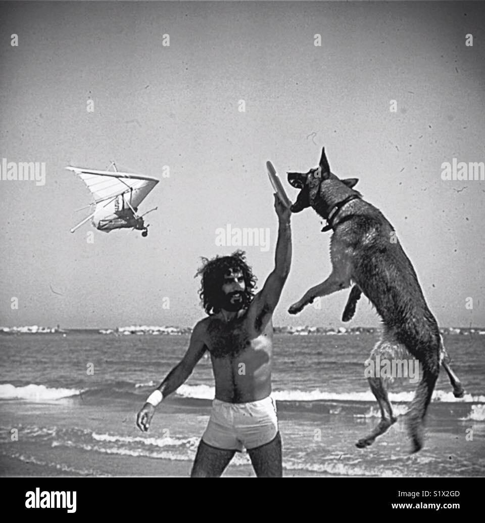 Homem e seu cão Imagens de Stock