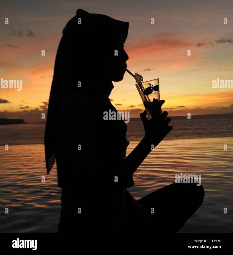 Ao pôr-do-sol silhueta em Bali Imagens de Stock