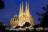 spain-catalonia-barcelona-sagrada-famili