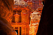 al-khazneh-the-treasury-temple-in-petra-