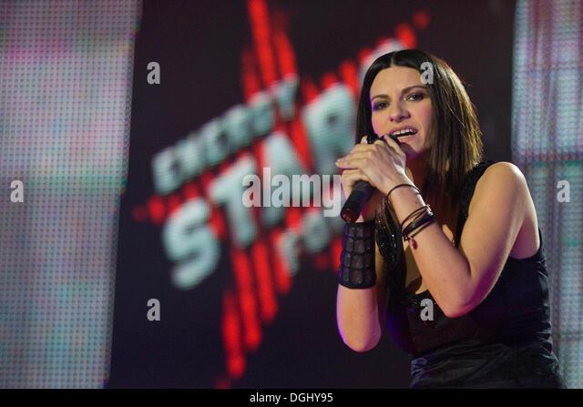 Laura Pausini  Biography amp History  AllMusic