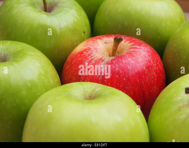 a-apple-surrounded-by-apples-e81dft.jpg