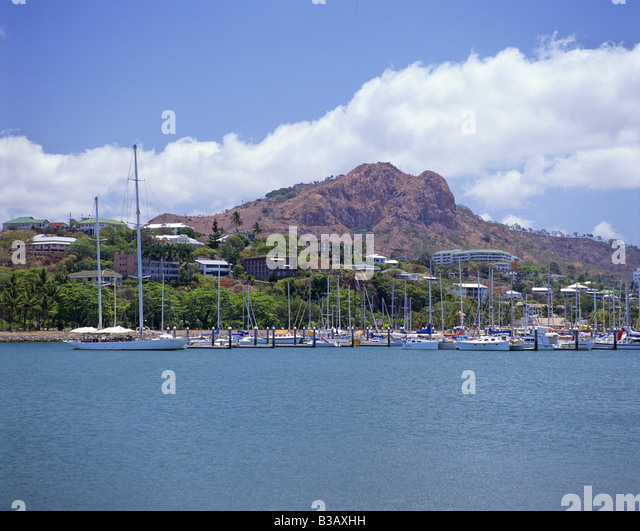 townsville-castle-hill-in-the-background