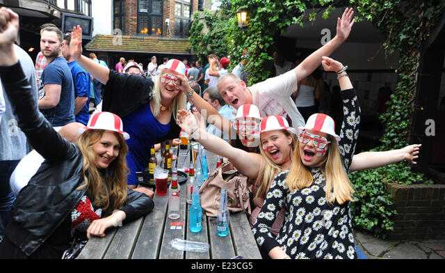Brighton, Sussex, UK. 14th June, 2014. World Cup 2014 football fans at the King and Queen pub in Brighton tonight as they prepare for England's game against Italy later  Photograph taken by Simon Dack/Alamy Live News - Stock Image