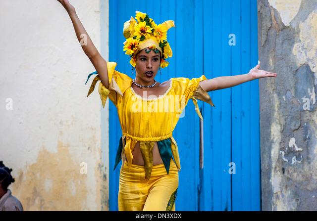 Street Entertainer Dancing On Stilts, Old Havana, Havana, Cuba - Stock Image