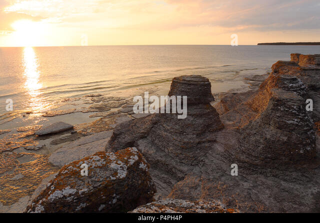 sea-stacks-at-byrum-land-sweden-p4ph4p.j