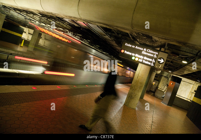 passenger-on-the-platform-washington-dc-