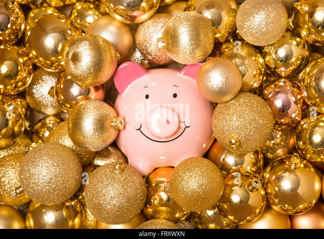 saving-money-at-christmas-abstract-frxwx