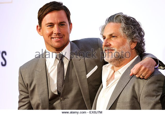 epa04833559 US actor Channing Tatum (L) and director Greg Jacobs arrive for the premiere of 'Magic Mike XXL' - Stock Image