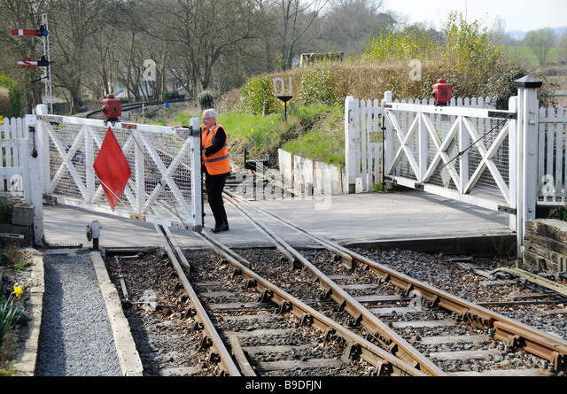 unmanned railway gate Abstract for automatic railway gate control using 8051 based this type of gates can be employed in an unmanned level crossing where the chances of accidents are.