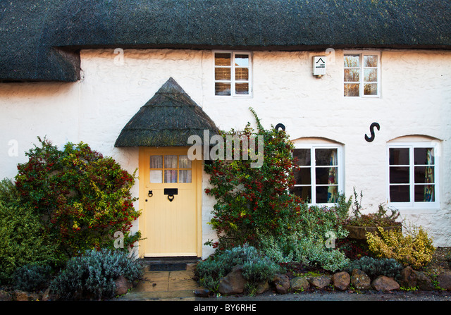 cottage thatched english traditional stock photos