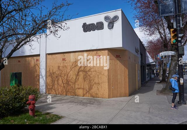 vancouver-canada-03-april-2020-shops-on-
