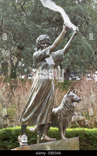 Waving girl statue, Florence Martus, unofficial greeter for all ships entering and leaving the Port of Savannah, - Stock Image