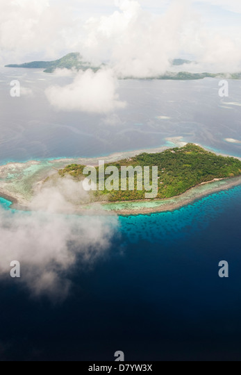 a brief analysis of colonization of the islands of micronesia Human colonization of the palau islands, western micronesia the pacific is reviewed to see whether colonization of large islands tended to precede c analysis.