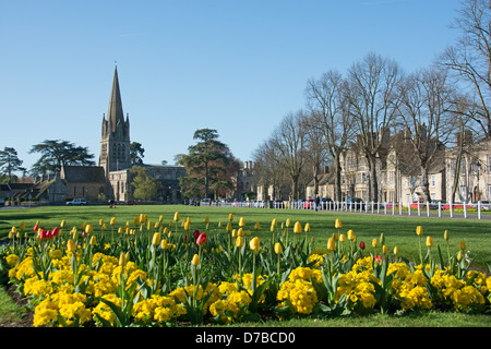 WITNEY, OXFORDSHIRE, UK. A view of Church Green and the Church of St. Mary the Virgin. 2013. - Stock Image