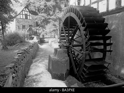 Achtziger Jahre, Wassermuehle, Alte Oelmuehle an der Wied, Waldbreitbach, Wied, Westerwald, Naturpark Rhein-Westerwald, - Stock Image