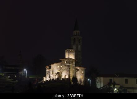 Evening view of the Savorgnan Castle of Artegna (XIV Century), in the italian region of Friuli Venezia Giulia - Stock Image