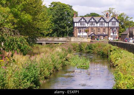 The river Pont and the Diamond Inn, Ponteland, Northumberland, north east England, UK - Stock Image