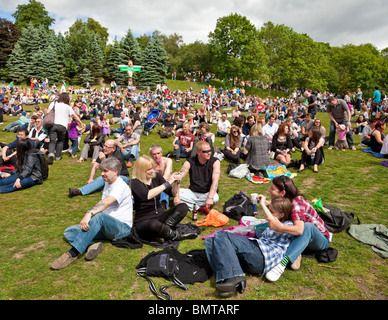 Audience at Glasgow's West End Festival 2010 in Kelvingrove Park. - Stock Image