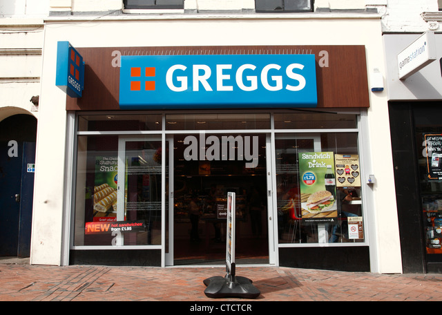 a-greggs-store-in-derby-england-uk-ctctc