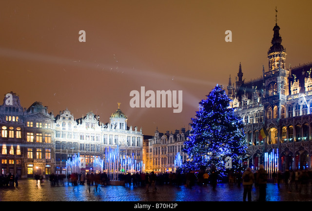 christmas-illuminations-grand-place-brus