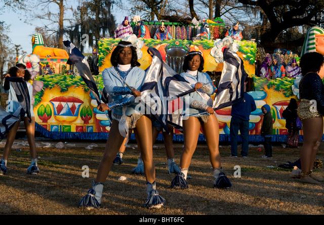 flag-twirlers-endymion-mardi-gras-new-or