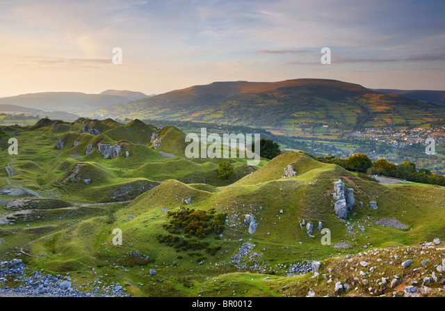Llangattock Escarpment with the Usk Valley Beyond - Stock Image