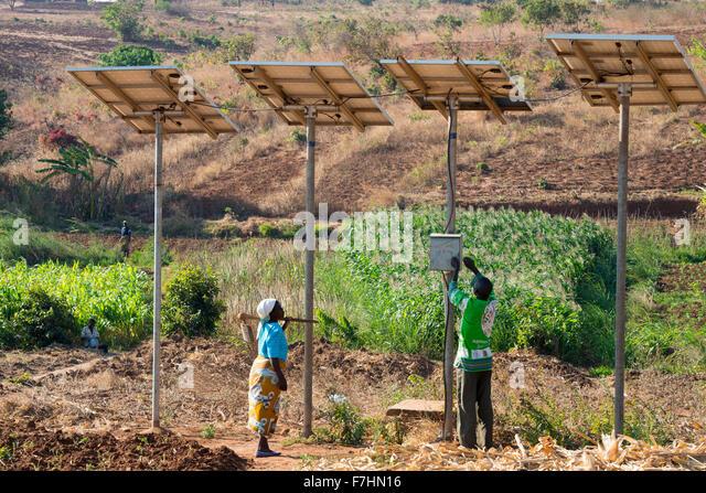 malawi-village-zingiziwa-solar-powered-w