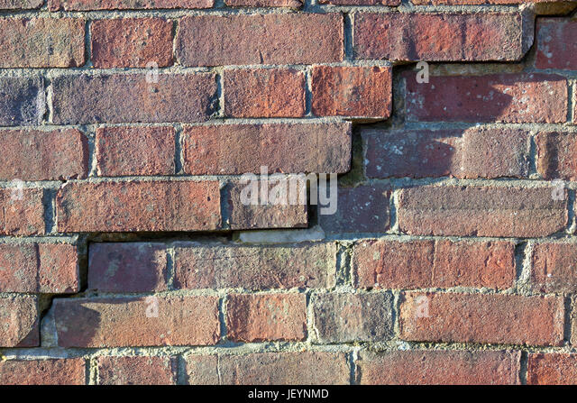 english-brickwork-in-a-poor-state-of-dis