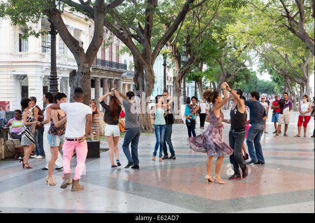 dancers on a Sunday evening, Paseo de Prado avenue, Havana, Cuba - Stock Image